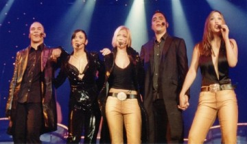 Hear'say on their UK Arena Tour 2001