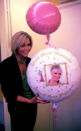 Suzanne Shaw from hear'say with her balloon sent by Faye Talbott